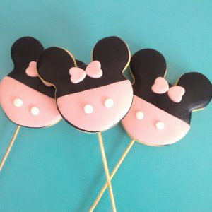 Çubuklu Minnie Mouse Konsepti Şeker Hamurlu Kurabiye